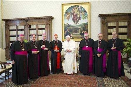"""El Papa renuncia: """"Ya no tengo fuerzas"""" [Peter Turkson será el proximo y ultimo Papa, y luego el Falso Profeta del Apocalipsis] ?m=02&d=20130215&t=2&i=704413187&w=&fh=&fw=&ll=700&pl=390&r=CBRE91E1GQD00"""