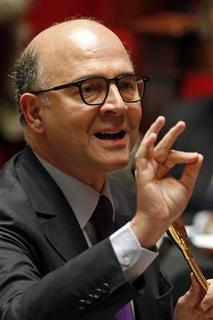 France's Economy and Finance Minister Pierre Moscovici speaks during the questions to the government session at the National Assembly in Paris February 5, 2013. REUTERS/Charles Platiau