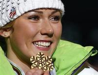 L'Américaine Mikaela Shiffrin est devenue samedi à 17 ans l'une des plus jeunes championnes du monde de l'histoire du ski alpin en remportant le slalom de Schladming, en Autriche. /Photo prise le 16 février 2013/REUTERS/Dominic Ebenbichler
