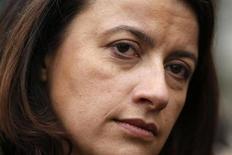 La ministre du Logement, Cécile Duflot, n'exclut pas d'être candidate à la mairie de Paris en 2014, dans un entretien accordé au Journal du dimanche. /Photo prise le 5 décembre 2013/REUTERS/Charles Platiau