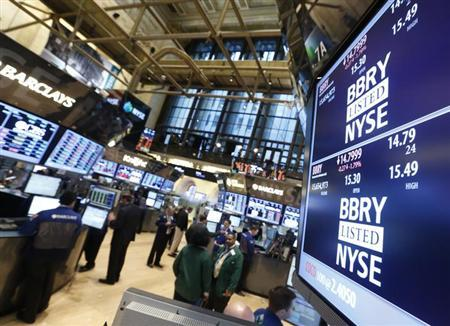 The Blackberry ticker is displayed on a screen at the post that trades the stock on the floor of the New York Stock Exchange, February 15, 2013. REUTERS/Brendan McDermid (UNITED STATES - Tags: BUSINESS SCIENCE TECHNOLOGY TELECOMS)