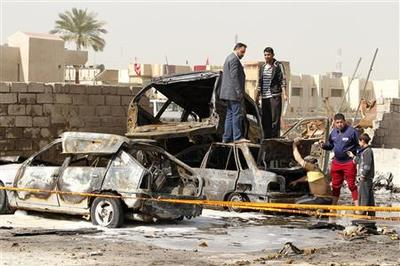 Blasts hit Shi'ite districts in Baghdad, killing 26