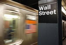 La Bourse de New York pourrait avoir du mal à poursuivre sa marche en avant pour la huitième semaine consécutive car les indices s'approchent de seuils de résistance techniques au moment même où la saison des résultats touche à sa fin. /Photo d'archives/REUTERS/Shannon Stapleton