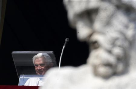 Pope Benedict XVI arrives to lead the Angelus prayer Saint Peter's Square at the Vatican February 17, 2013. Pope Benedict, speaking before a larger than usual crowd at his penultimate Sunday address, asked the faithful to pray for him and for the next pope. REUTERS/Max Rossi