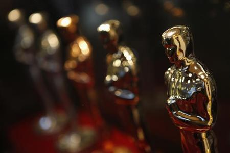 Oscar statuettes are displayed at the ''Meet the Oscars, Chicago'' event February 13, 2009. REUTERS/John Gress