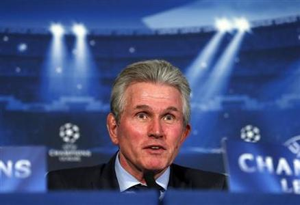 Bayern Munich's head coach Jupp Heynckes attends a news conference at a hotel in London February 18, 2013. Bayern Munich are due to play Arsenal in their Champions League soccer match on Tuesday in London. REUTERS/Eddie Keogh