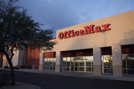 The Office Max store is seen in Glendale, Arizona October 28, 2009. REUTERS/Joshua Lott