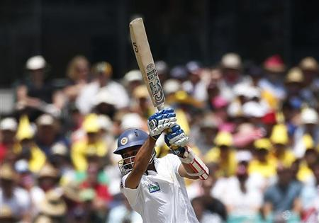 Sri Lanka's captain Mahela Jayawardene plays a shot during the first day's play of their third cricket test match against Australia at the Sydney Cricket Ground January 3, 2013. REUTERS/Tim Wimborne/Files