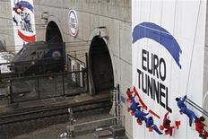 Le rachat par Eurotunnel de certains actifs de la société de transport maritime SeaFrance pourrait nuire à la concurrence et entraîner des hausses de tarifs, selon la Commission de la concurrence britannique. /Photo d'archives/REUTERS/Pascal Rossignol