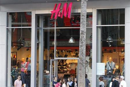 An H&M clothing store is pictured in Hollywood, California January 26, 2011. REUTERS/Fred Prouser/Files