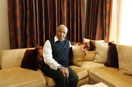 Egypt's former prime minister Ahmed Shafik poses for a photo at his residence in Abu Dhabi February 6, 2013. REUTERS/Jumana El Heloueh