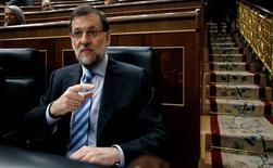 Mariano Rajoy encara el miércoles su primer debate del estado de la nación como presidente del Gobierno, una esperada cita en la que el Ejecutivo se examinará ante el resto de los grupos del Congreso y que este año estará protagonizada previsiblemente por la corrupción política. En la imagen, el presidente del Gobierno, Mariano Rajoy, en una sesión del Congreso de los Diputados en Madrid, el 13 de febrero de 2013. REUTERS/Javier Barbancho