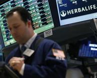 Herbalife, fabricant de produits diététiques, a revu à la hausse sa prévision de résultat pour 2013 et anticipe un BPA compris entre 4,45 et 4,65 dollars contre 4,40 et 4,55 dollars initialement prévus. /Photo prise le 19 février 2013/REUTERS/Brendan McDermid
