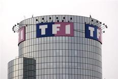 TF1 (-5,2%) accuse la plus forte baisse du SBF 120 après avoir a dit s'attendre à une baisse de 3% de son chiffre d'affaire en 2013. /Photo d'archives/REUTERS/Charles Platiau