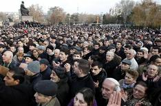 Supporters of presidential candidate Raffi Hovannisian protest in Yerevan February 19, 2013. REUTERS/David Mdzinarishvili