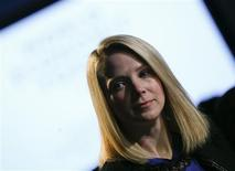 La directrice générale de Yahoo Marissa Mayer. Le groupe va entamer dans les prochains jours la refonte de son portail dans l'espoir de le rendre plus moderne et plus attractif pour ses utilisateurs en empruntant certains codes qui ont fait le succès de Facebook ou Twitter. /Photo prise le 25 janvier 2013/REUTERS/Pascal Lauener