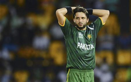 Pakistan's Shahid Afridi looks on during the ICC World Twenty20 Super 8 cricket match against Australia at the R. Premadasa Stadium in Colombo October 2, 2012. REUTERS/Philip Brown