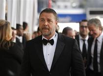 Actor Russell Crowe arrives at the 19th annual Screen Actors Guild Awards in Los Angeles, California January 27, 2013. REUTERS/Mario Anzuoni