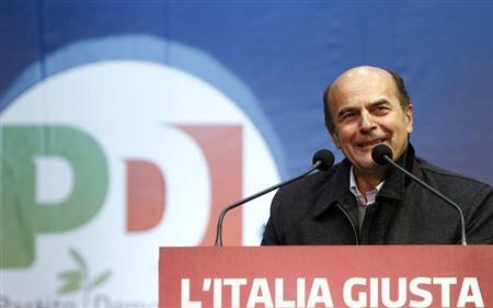 Italy's Democratic Party (PD) leader Pier Luigi Bersani smiles during a political rally in downtown Milan February 17, 2013. REUTERS/Alessandro Garofalo
