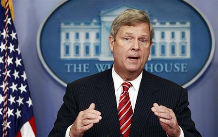 U.S. Agriculture Secretary Tom Vilsack speaks about the drought during a press briefing at the White House in Washington July 18, 2012. REUTERS/Kevin Lamarque