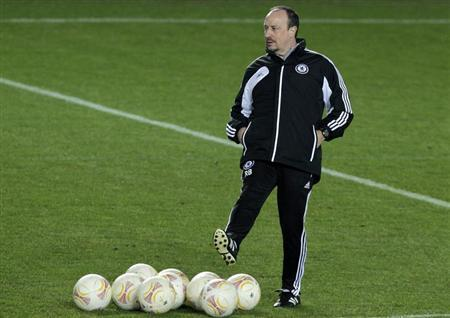 Chelsea's interim manager Rafael Benitez attends a practice session in Prague February 13, 2013. REUTERS/David W Cerny