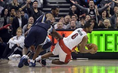Streaking Grizzlies take bite out of Raptors