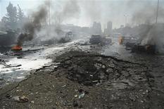 Un attentat à la voiture piégée a fait une trentaine de morts et plus de 200 blessés jeudi dans le quartier de Mazraa, dans le centre de Damas, sur un boulevard fréquenté proche du siège du parti Baas au pouvoir et de l'ambassade de Russie. /Photo prise le 21 février 2013/REUTERS/Sana