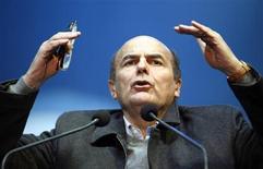 Il leader del Pd Pierluigi Bersani durante un comizio elettorale. REUTERS/Alessandro Garofalo