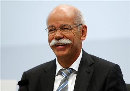 Daimler AG Chief Executive Dieter Zetsche smiles during the company's annual news conference in Stuttgart February 7, 2013. REUTERS/Michael Dalder