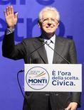 Il premier uscente Mario Monti, Roma, 15 febbraio 2013. REUTERS/Remo Casilli