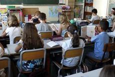 La maire de Lille, Martine Aubry, s'est déclarée vendredi sur France Bleu Nord totalement favorable à la réforme des rythmes scolaires qui prévoit le retour à la semaine de 4,5 jours tout en soulignant que la mise en place de cette mesure contestée nécessitait du temps. /Photo d'archives/REUTERS/Charles Platiau