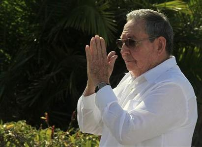 Cuba's President Raul Castro gestures after a wreath-laying ceremony at the Soviet Soldier monument in Havana February 22, 2013. REUTERS/Enrique De La Osa