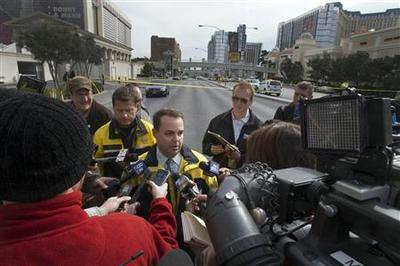 Manhunt underway for suspects in fatal Las Vegas strip...