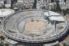 Imagem aérea desta sexta-feira mostra estágio das obras no estádio do Maracanã, no Rio de Janeiro. REUTERS/Ricardo Moraes