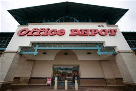 An Office Depot store is pictured in Encinitas, California, February 19, 2013. Office Depot, the No. 2 U.S. office supply retailer, is in advanced talks to merge with smaller rival OfficeMax and a deal could come as early as this week, a person familiar with the matter said on Monday. REUTERS/Mike Blake (UNITED STATES - Tags: BUSINESS LOGO) - RTR3DZUJ