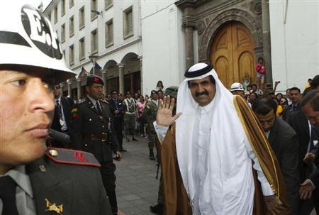 Qatar Emir Sheikh Hamad bin Khalifa al-Thani waves as he arrives at Carondelet Palace in Quito February 16, 2013. REUTERS/Guillermo Granja