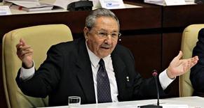 Presidente cubano, Raúl Castro, fala depois de sessão de encerramento da Assembleia Nacional do Poder do Povo, em Havana. Raúl Castro anunciou que irá renunciar ao poder após o fim de seu segundo mandato em 2018. 24/02/2013 REUTERS/Desmond Boylan