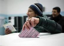 Voto, poll: Bersani avanti a Camera e Senato, Lombardia in bilico. REUTERS/Yara Nardi