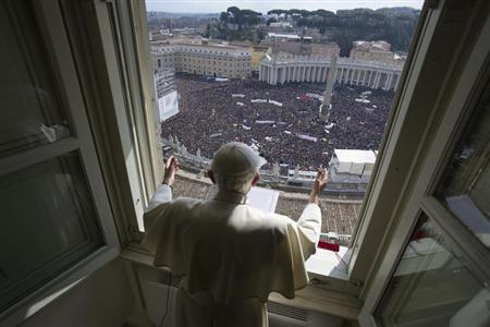 Pope Benedict XVI leads his last Angelus prayer before stepping down in Saint Peter's Square at the Vatican February 24, 2013. REUTERS/Osservatore Romano