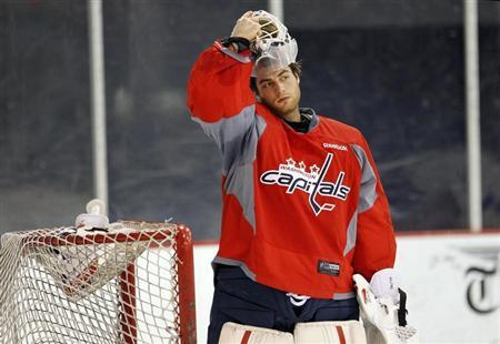 Capitals sign Holtby, Erskine to two-year extensions