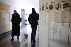 Un seggio elettorale a Roma. REUTERS/Yara Nardi