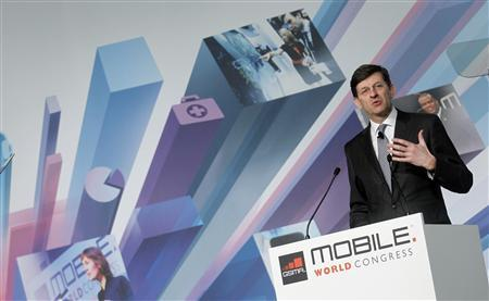 Vodafone's CEO Vittorio Colao speaks during a news conference at the Mobile World Congress in Barcelona, February 25, 2013. REUTERS/Albert Gea