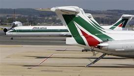 L'administrateur délégué d'Alitalia, Andrea Ragnetti, a démissionné lundi soir après avoir annoncé une perte nette de 280 millions d'euros au titre de 2012. /Photo d'archives/REUTERS/Max Rossi