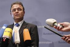 "German Interior Minister Hans-Peter Friedrich briefs the media during the German Federal Criminal Police (BKA) autumn conference ""The suppression of right wing extremism"" in Wiesbaden November 13, 2012. REUTERS/Lisi Niesner"