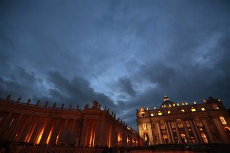 A general view of Saint Peter's Square at the Vatican February 23, 2013. REUTERS/Eric Gaillard