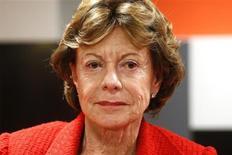 Neelie Kroes, commissaire européenne à la Stratégie numérique, a appelé mardi de ses voeux la mise en place d'une régulation du secteur des télécoms susceptible de créer un vrai marché unique de la téléphonie, fixe et mobile, en vue d'encourager les investissements dans des infrastructures vieillissantes. /Photo d'archives/REUTERS/Benoît Tessier