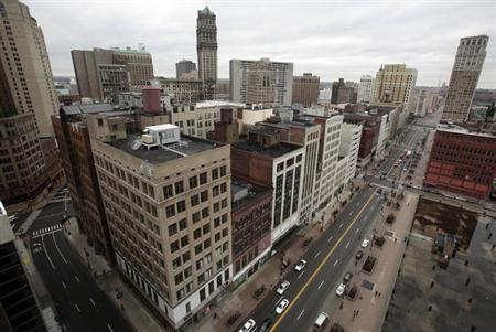A view of downtown Detroit is seen looking north along Woodward Avenue in Detroit, Michigan January 30, 2013. REUTERS/Rebecca Cook/Files
