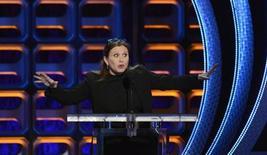 """Carrie Fisher, que interpretó a la princesa Leia en la trilogía original de """"La guerra de las galaxias"""", ha sido brevemente hospitalizada por su trastorno bipolar, dijo la portavoz de la actriz el martes, después de la aparición de un vídeo con una actuación atípica. En la imagen, Carrie Fisher durante un acto en Los Ángeles el 4 de agosto de 2012. REUTERS/Phil McCarten"""
