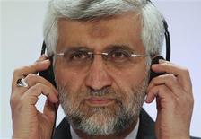 """Negociador-chefe para assuntos nucleares do Irã, Saeed Jalili, durante coletiva de imprensa em Almaty, no Cazaquistão. O Irã disse que as negociações nucleares com as potências mundiais foram um """"passo positivo"""", depois de dois dias de reuniões que terminaram na quarta-feira. 27/02/2013 REUTERS/Shamil Zhumatov"""