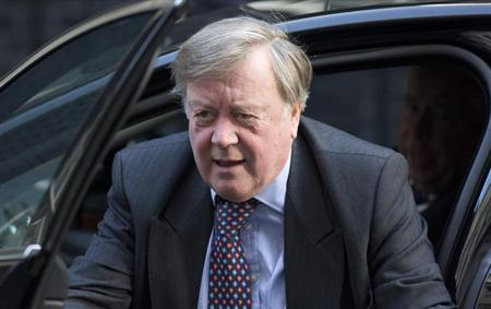 Minister without portfolio Ken Clarke arrives for a cabinet meeting at Downing Street in London October 16, 2012. REUTERS/Neil Hall